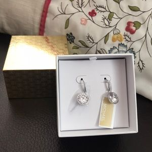 Michael kors earrings NWT in gift box in Sliver